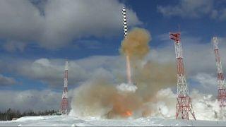 """[Vídeo] Rusia prueba su nuevo misil balístico intercontinental """"Satán 2"""""""
