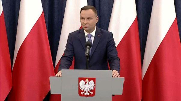 A lengyel elnök megvétózta a lefokozási törvényt