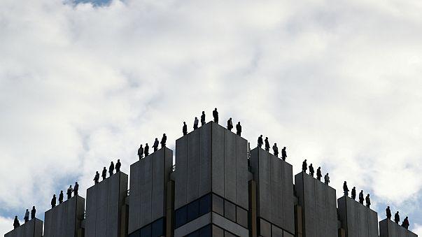 Londra çatılarındaki adamlar ne yapıyor?
