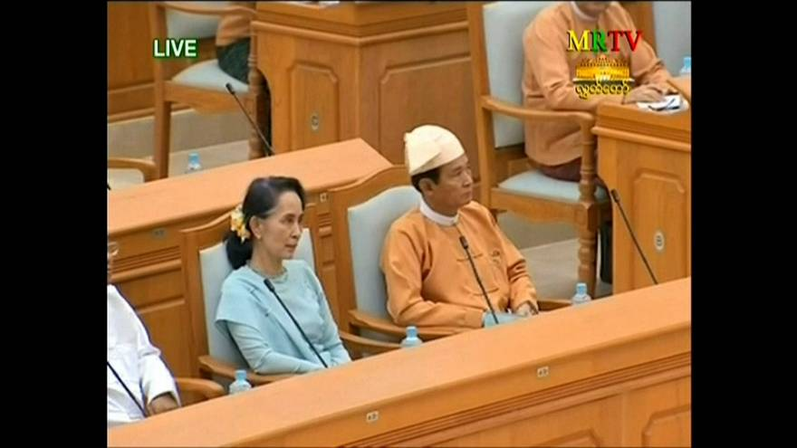 Myanmar: giura il neo presidente ma la leader è Aung San SuuKyi