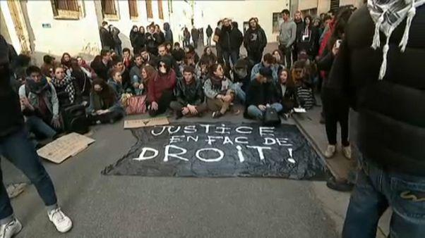 Estudantes rejeitam reformas no acesso ao ensino superior