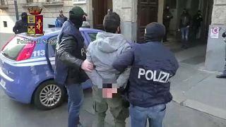 İtalya'da terör örgütü propagandası yapanlara gözaltı