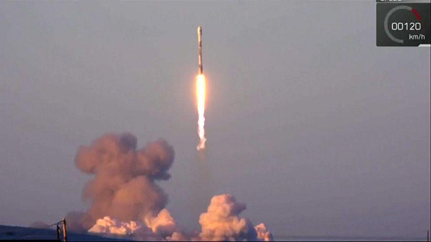 Falcon 9 с десятью спутниками стартовал с космодрома Ванденберг