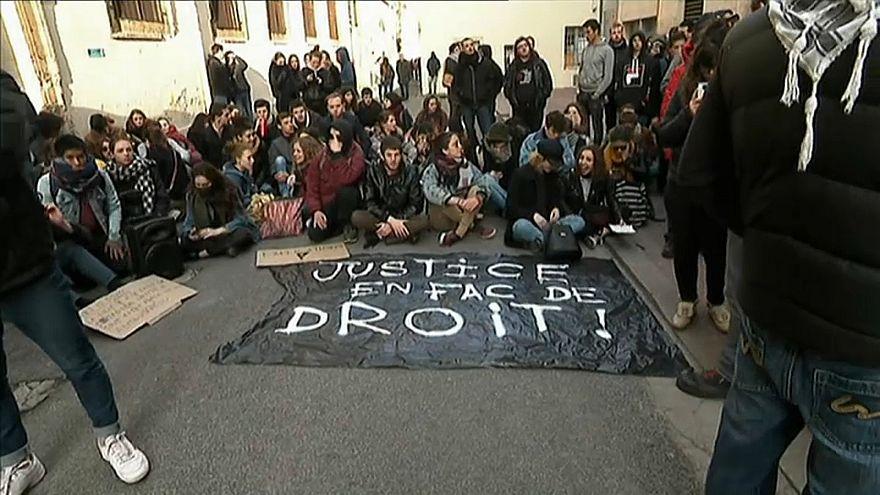 Fransa'da eğitim reformu protestosu