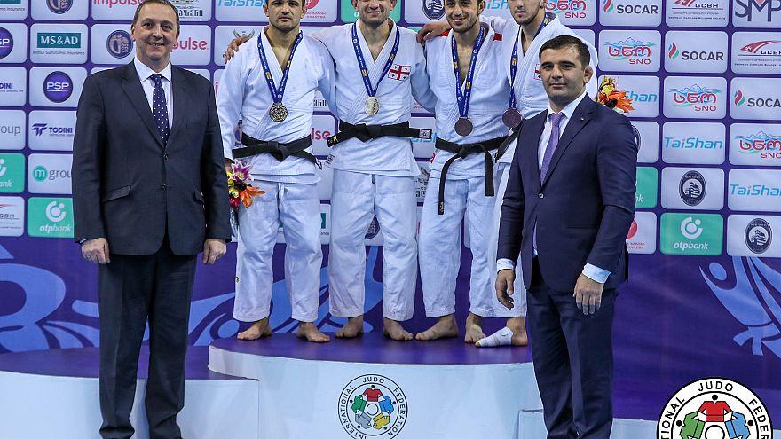 Gürcü judokalar evlerinde coştu