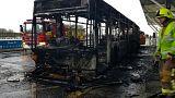 Londra: si incendia bus-navetta, voli sospesi per alcune ore a Stansted