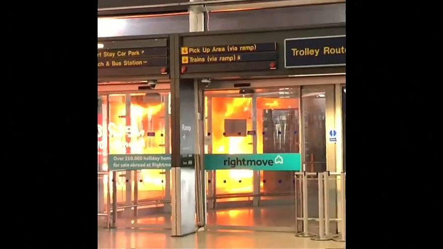 Аэропорт закрыт из-за автобуса