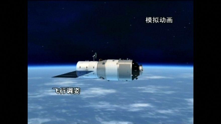 """La stazione spaziale cinese """"fuori controllo"""" attesa sulla Terra la mattina di Pasqua"""