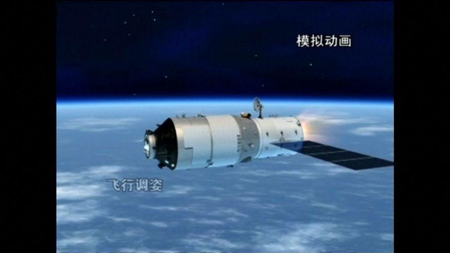 Todos pendientes del cielo y del Tiangong-1