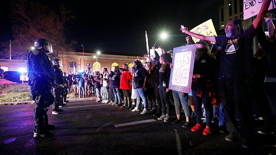 6 der 20 Schüsse in den Rücken - Proteste für Stephon Clark (22†)