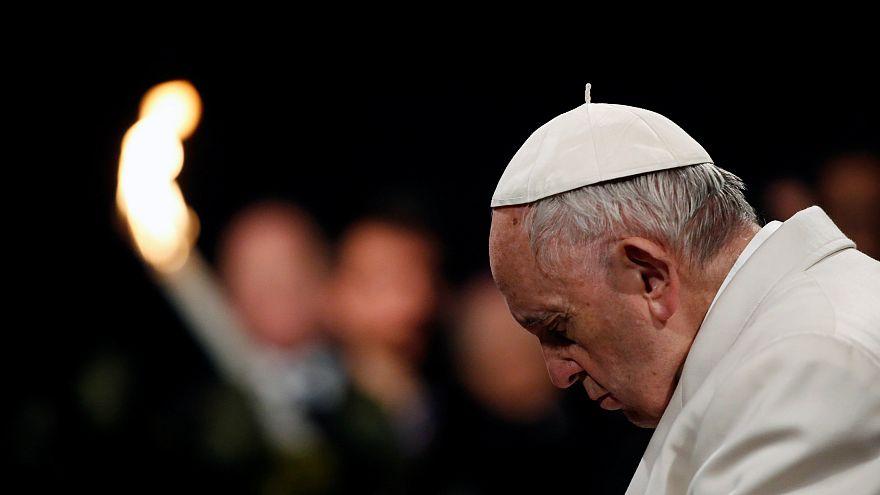 """Papa: """"Deixar guerras e divisões aos jovens é vergonhoso"""""""