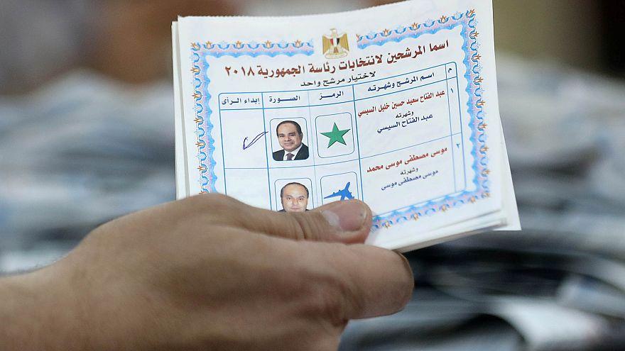 استمرار فرز أصوات الناخبين المصريين ومؤشرات بنسبة مشاركة أقل من 2014