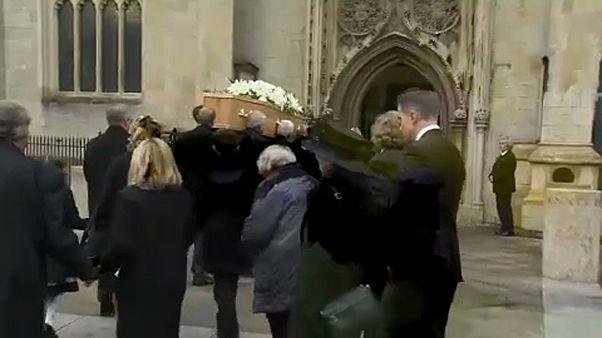 Végső búcsú Stephen Hawkingtól