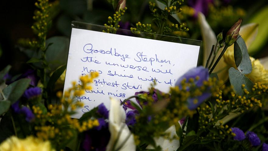 Hawking için mütevazı cenaze töreni