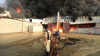 Υεμένη: Στις φλόγες η ανθρωπιστική βοήθεια