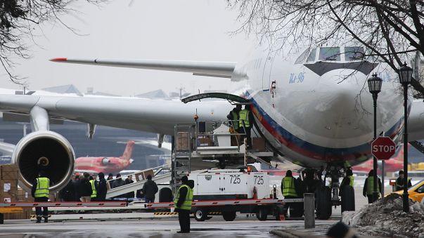 وصول عشرات الدبلوماسيين الروس المطرودين من الولايات المتحدة إلى موسكو