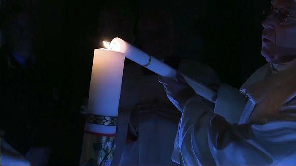 Frohe Ostern: Papst Franziskus rüttelt an seinen Christen