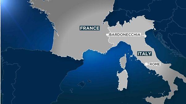 ورود نیروهای مرزبان فرانسه به محدوده شهر باردونیکای ایتالیا