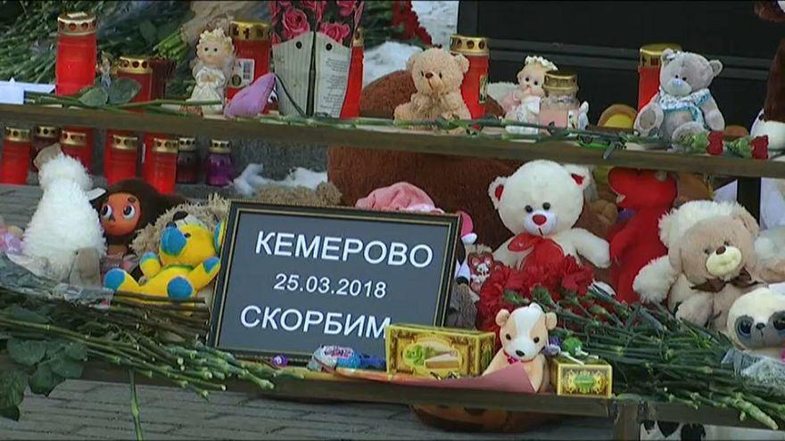 Kemerovo beweint 41 getötete Kinder