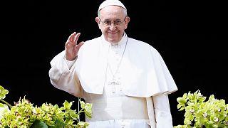"""البابا:""""المسالمون"""" قتلوا في الأرض المقدسة"""