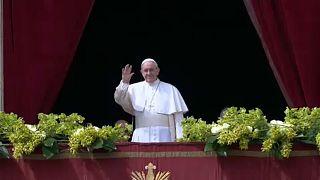 Ferenc pápa a szíriai háború befejezését sürgette húsvéti üzenetében