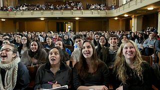 السعادة ..مادة دراسية تدرس في جامعة ييل الأمريكية