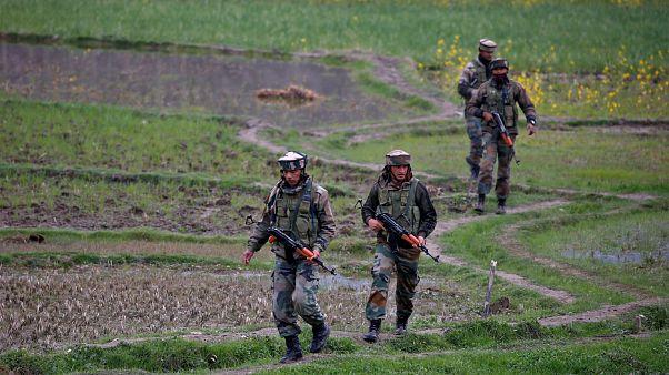 مقتل 16 شخصا في معارك بالأسلحة النارية مع قوات الأمن الهندية جنوب كشمير
