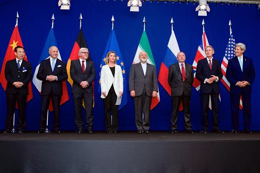 https://upload.wikimedia.org/wikipedia/commons/4/4a/Negotiations_about_Iranian_Nuclear_Program_-_the_Ministers_of_Foreign_Affairs_and_Other_Officials_of_the_P5%2B1_and_Ministers_of_Foreign_Affairs_of_Iran_and_EU_in_Lausanne.jpg