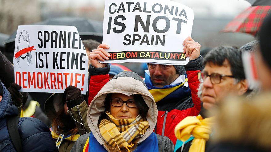 Protestors demand Carles Puigdemont be freed.
