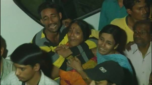 India: collassa un edificio in condizioni fatiscenti, almeno 10 morti