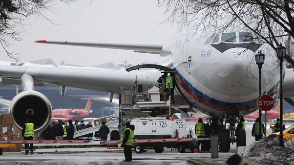 Arrivée à Moscou des 60 Russes expulsés des Etats-Unis
