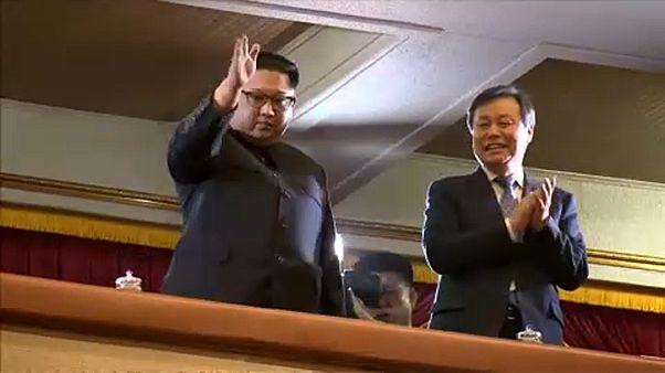 Κίνηση φιλίας Κιμ Γιονγκ Ουν προς Σεούλ: Παρακολούθησε συναυλία K-pop