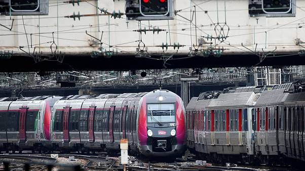 A train arrives at the Gare Saint-Lazare railway station