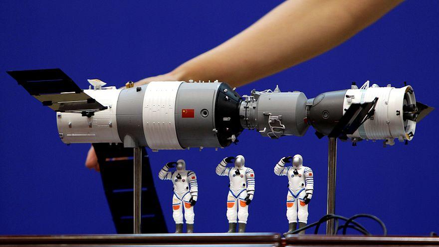 A Tienkung-1 űrállomás és a Sencsu-9 űrhajó modellje 2012-ben
