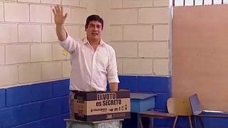 ألفارادو كيسادا يصبح أصغر رئيس في التاريخ الحديث لكوستاريكا
