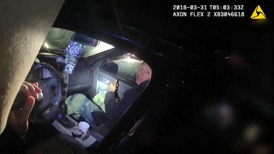 صورة من شريط فيديو لإطلاق نار على مواطن في لويفيل