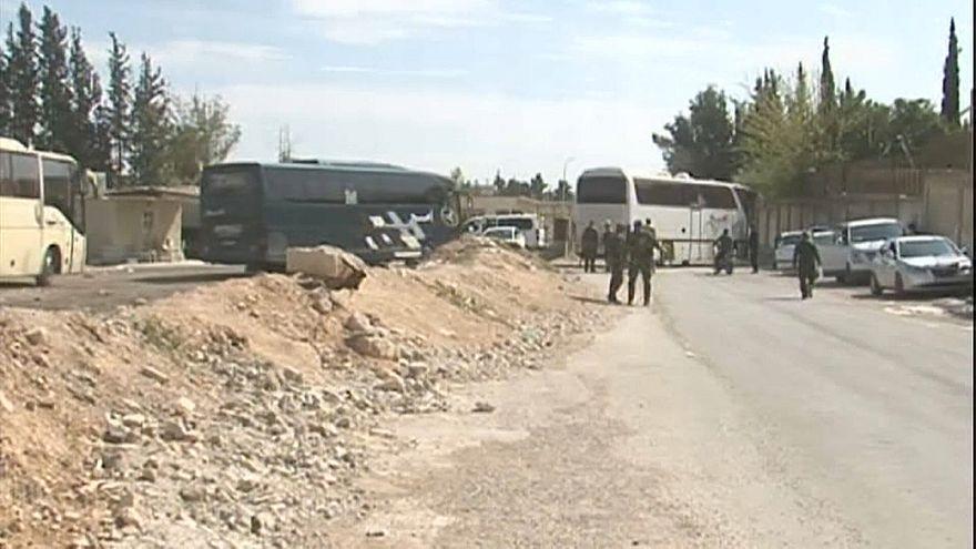 """Сирия: боевики """"Джейш аль-Ислам"""" покинут Думу"""