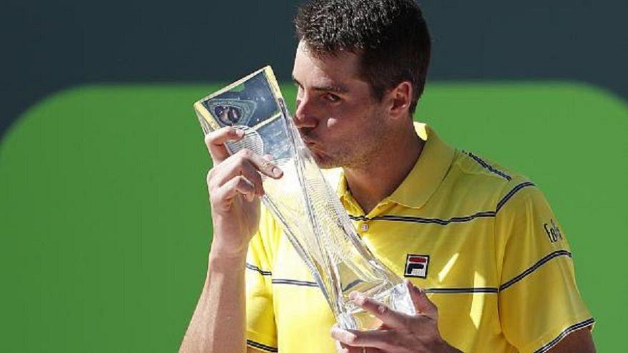Tennis: a Miami Isner fa il colpo