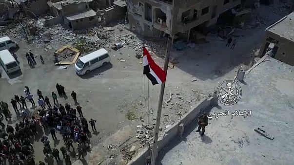 """Сирия: боевики """"Джейш аль-Ислам"""" покидают Думу"""