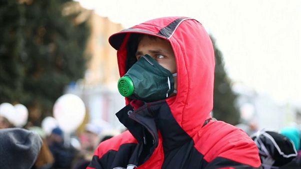 Gasmaske griffbereit: Dicke Luft in Volokolamsk