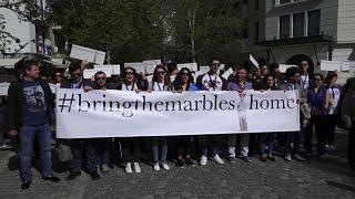 Gregos defendem recuperação dos Mármores do Partenon