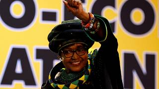 Muere Winnie Madikizela-Mandela, exmujer de Nelson Mandela
