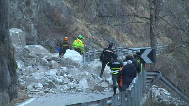 Оползень в Италии: 2 человека погибли