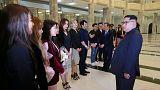 Kuzey Kore lideri Güney Koreli şarkıcıları izledi