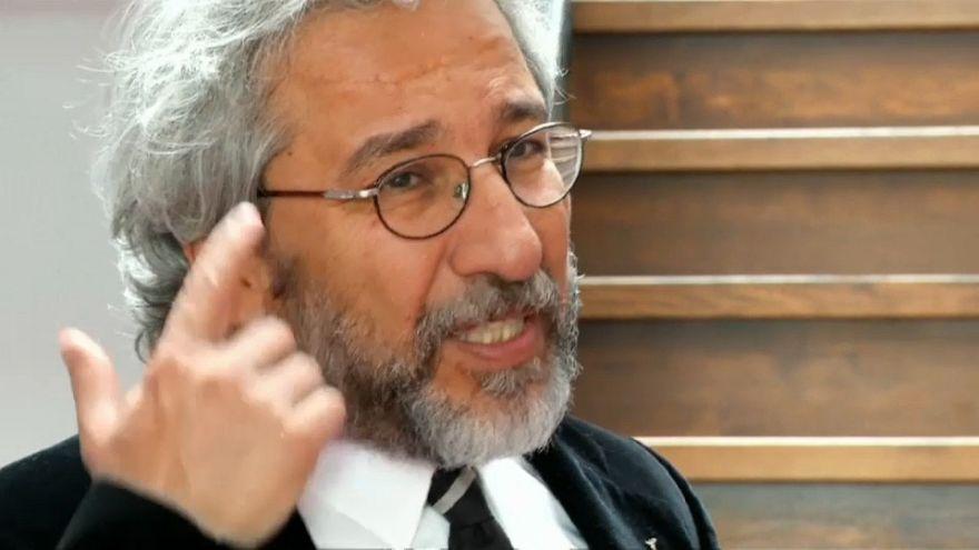 Турция требует выдать Дюндара