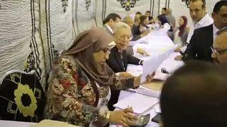 Semmi meglepetés: Szíszi maradt az egyiptomi elnök