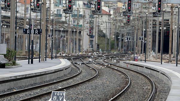 Comboios parados por greve a repetição contra reforma do setor