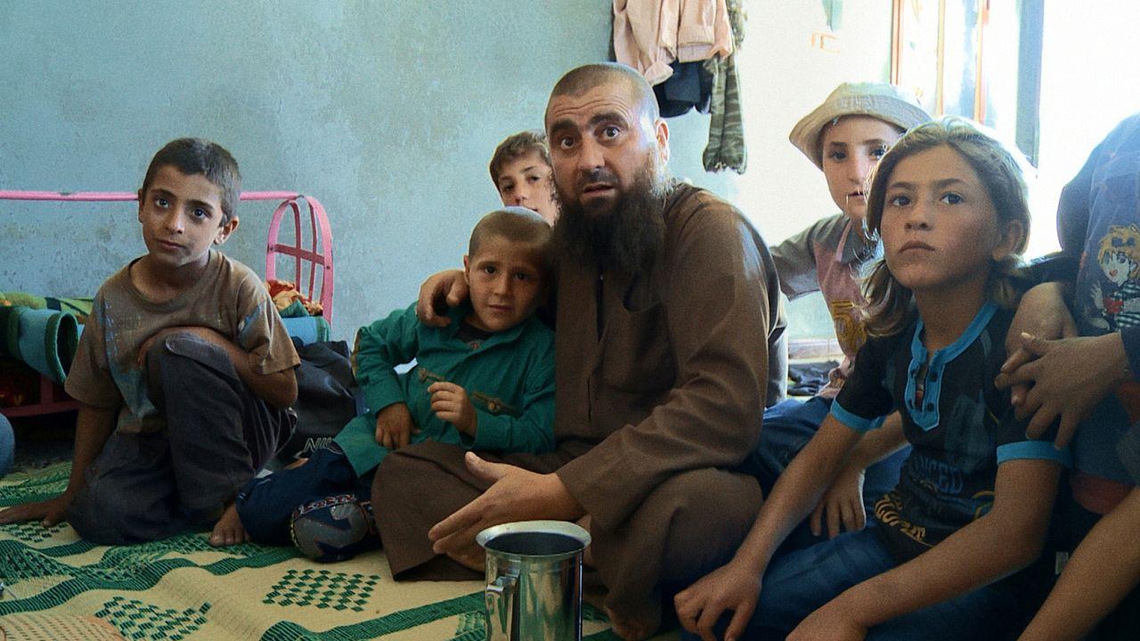 «Πατέρες και Γιοι»: Ντοκιμαντέρ ρίχνει φως στην εκπαίδευση νέων τζιχαντιστών