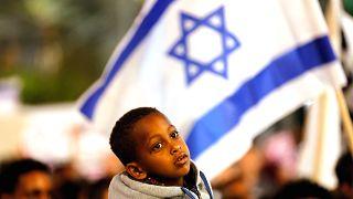 İsrail Afrikalı göçmenler anlaşmasında geri adım attı