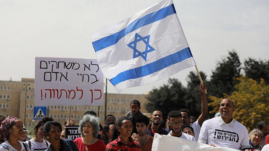 Правозащитники и мигранты против решения Нетаньяху